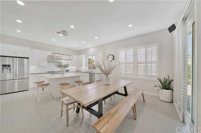 2106 Breakaway Lane, Costa Mesa, CA 92627 (#OC21207046) :: PURE Real Estate Group