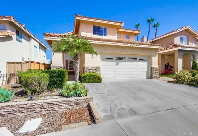 687 Paseo Rio, Vista, CA 92081 (#NDP2110937) :: Solis Team Real Estate