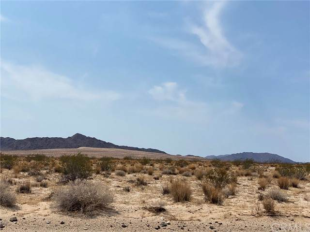 0 29 Palms Hwy, 29 Palms, CA 92277 (#OC21208453) :: Wannebo Real Estate Group