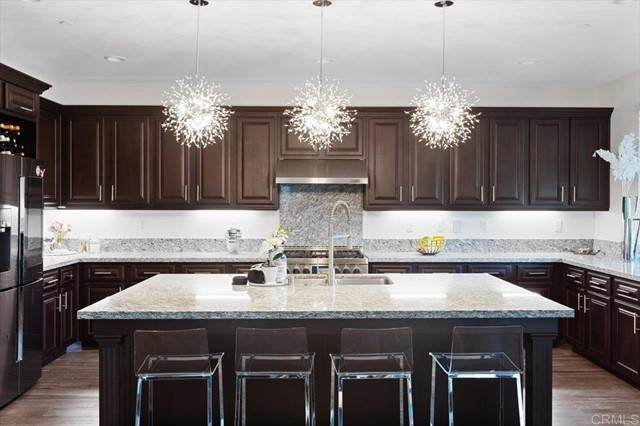 6396 Lilac Way, San Diego, CA 92130 (#NDP2110946) :: Solis Team Real Estate