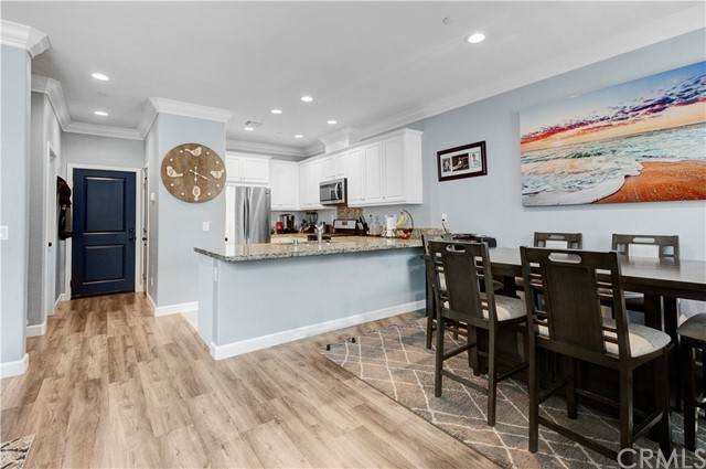 3245 E Midsummer Privado #3, Ontario, CA 91762 (#IV21208295) :: Solis Team Real Estate