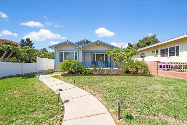 2315 Adriatic Avenue, Long Beach, CA 90810 (#SW21208636) :: Solis Team Real Estate