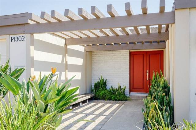 14302 Hamlet Lane, Tustin, CA 92780 (#PW21187543) :: Windermere Homes & Estates