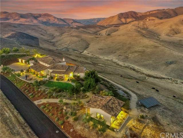 550 Via Buena Ventura, Arroyo Grande, CA 93420 (#PI21208147) :: Wannebo Real Estate Group