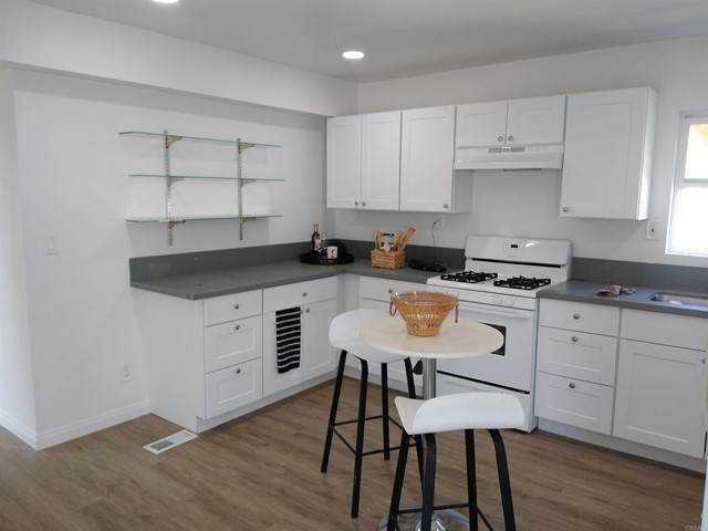 1425 2nd Ave. - Photo 1