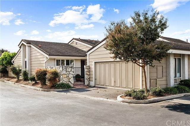 52 Wetstone #37, Irvine, CA 92604 (#OC21218451) :: Rubino Real Estate