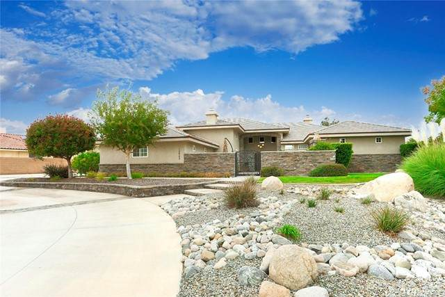 12903 Ivanpah Road, Apple Valley, CA 92308 (#CV21216677) :: Keller Williams - Triolo Realty Group