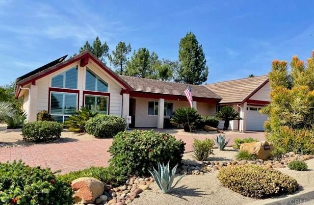 10700 Meadow Glen Way East, Escondido, CA 92026 (#NDP2111441) :: COMPASS