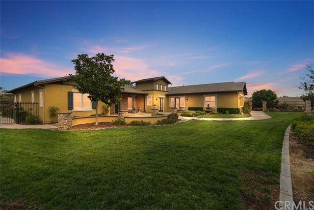 617 Crystal Mountain Circle, Riverside, CA 92506 (#IV21223034) :: Windermere Homes & Estates
