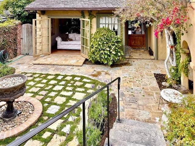 329 Emerald Bay, Laguna Beach, CA 92651 (#LG21224952) :: Windermere Homes & Estates