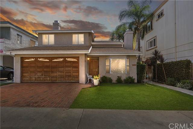11964 Mayfield Avenue, Los Angeles, CA 90049 (#EV21225715) :: Wannebo Real Estate Group