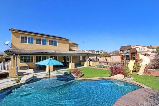 35084 Indian Grass Drive, Murrieta, CA 92563 (#OC21225020) :: Rubino Real Estate