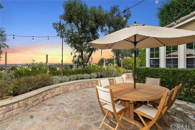 7 Nerval, Newport Coast, CA 92657 (#OC21208014) :: Pacific Palace Realty, Inc.