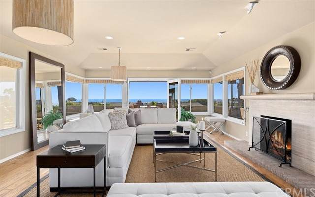 2501 Lighthouse Lane, Corona Del Mar, CA 92625 (#NP21228981) :: Prestige Properties Enterprises