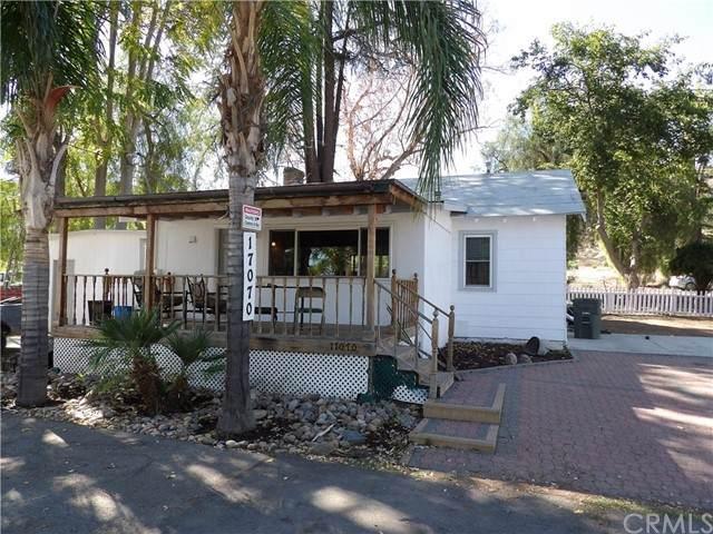 17070 Grand Avenue, Lake Elsinore, CA 92530 (#SW21229771) :: SunLux Real Estate