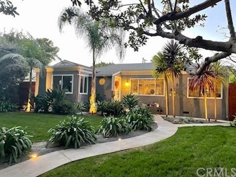 2907 Delaware Avenue, Santa Monica, CA 90404 (#PW21229798) :: Windermere Homes & Estates
