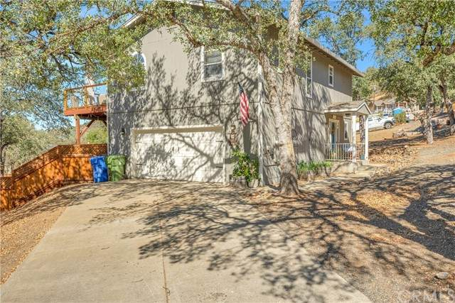 17283 Meadow View Drive, Hidden Valley Lake, CA 95467 (#LC21229454) :: SD Luxe Group