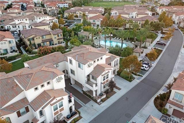 31809 Calle Mendocino, Temecula, CA 92592 (#SW21229718) :: American Dreams Real Estate