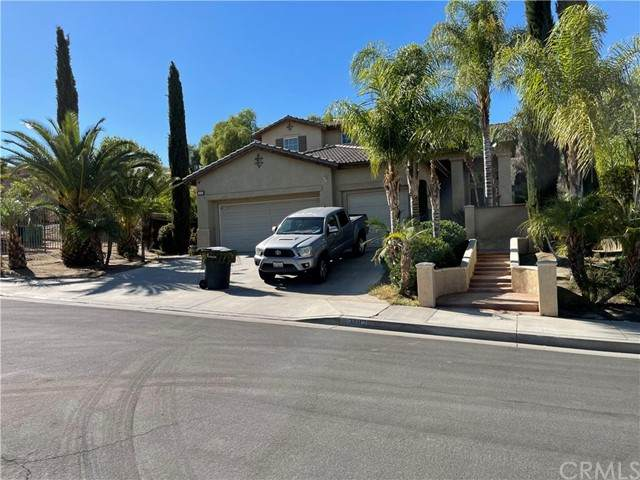 2492 Menlo Avenue, San Jacinto, CA 92583 (#RS21230126) :: Dannecker & Associates