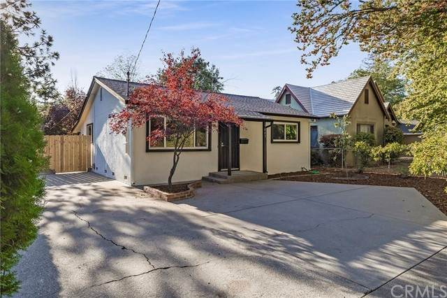 1445 Hobart Street, Chico, CA 95926 (#SN21229019) :: SunLux Real Estate