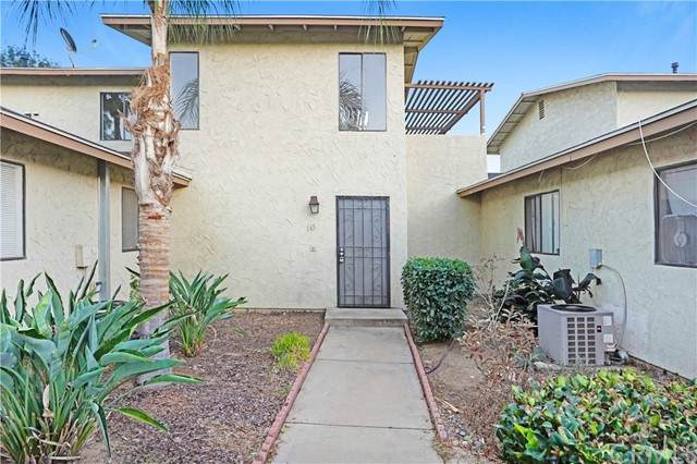 16547 Joy Street, Lake Elsinore, CA 92530 (#PW21230524) :: SunLux Real Estate
