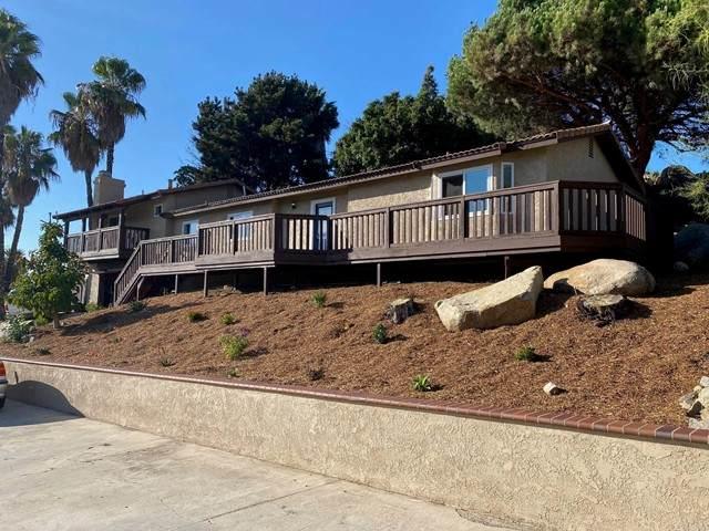 682 Monterey Lane, Vista, CA 92084 (#NDP2111874) :: Windermere Homes & Estates