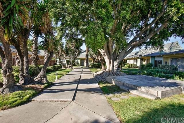 15712 Pasadena Avenue #6, Tustin, CA 92780 (#PW21231337) :: American Dreams Real Estate