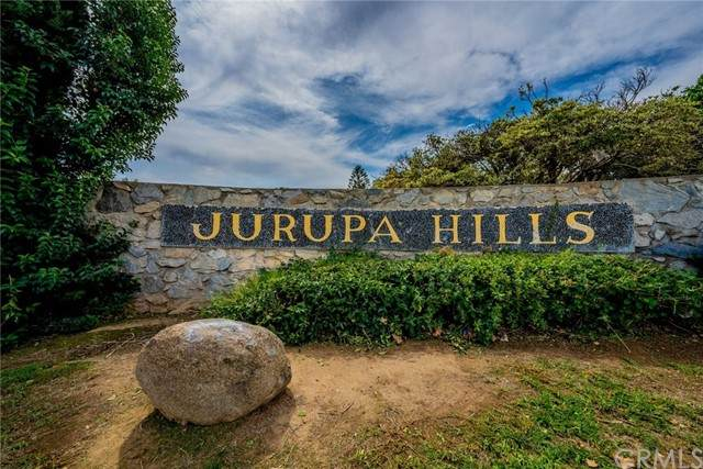 7166 Alviso Avenue, Jurupa Valley, CA 92509 (#IV21228101) :: Windermere Homes & Estates