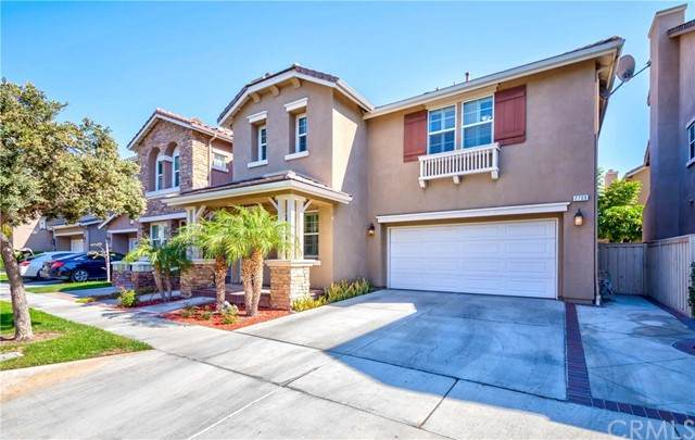 2709 W Madison Circle, Anaheim, CA 92801 (#DW21232766) :: Keller Williams - Triolo Realty Group