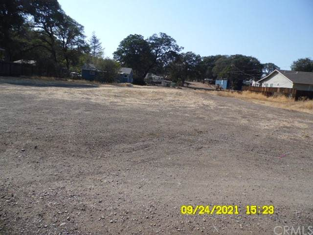 3379 Brown, Clearlake, CA 95422 (#LC21233034) :: Windermere Homes & Estates