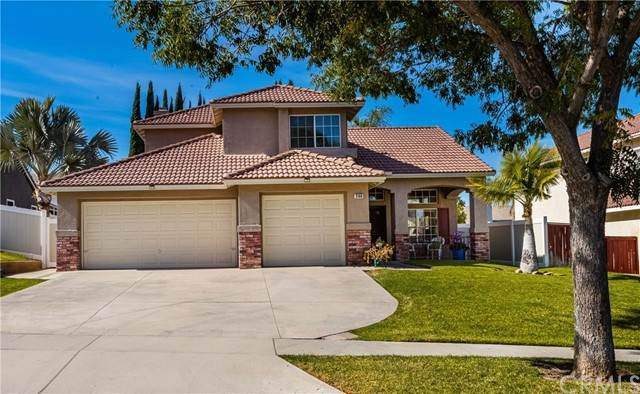 3160 Vermont Drive, Corona, CA 92881 (#PW21233298) :: Wannebo Real Estate Group