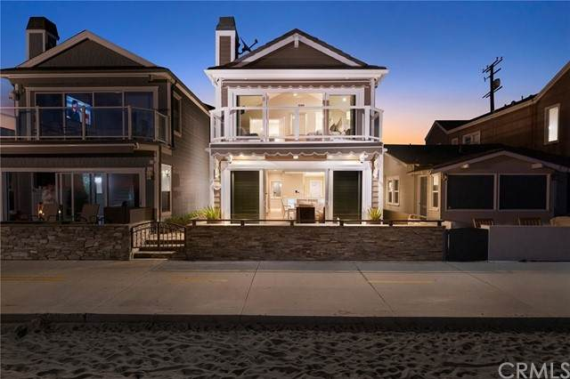 2712 W Oceanfront, Newport Beach, CA 92663 (#NP21233300) :: Pacific Palace Realty, Inc.