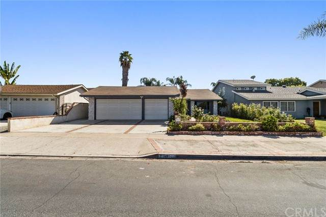23412 Dune Mear Road, Lake Forest, CA 92630 (#LG21233401) :: PURE Real Estate Group