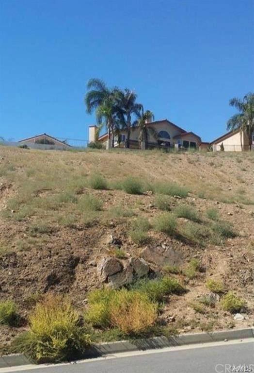 0 Smugglers, Canyon Lake, CA 92587 (#SW21233545) :: Wannebo Real Estate Group