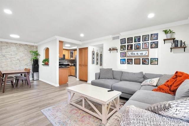 5054 Los Morros Way #101, Oceanside, CA 92057 (#NDP2112012) :: Dannecker & Associates