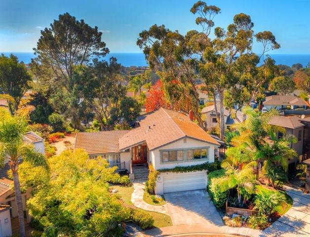2463 Mission Carmel Cv, Del Mar, CA 92014 (#NDP2112080) :: Pacific Palace Realty, Inc.