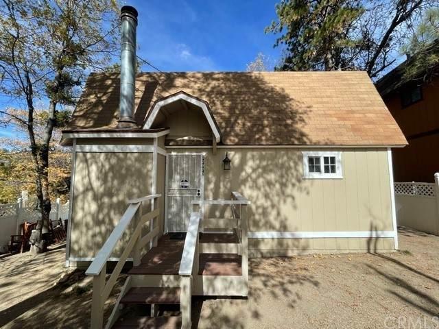 32979 Deer Lane, Arrowbear, CA 92382 (#IG21236033) :: San Diego Area Homes for Sale