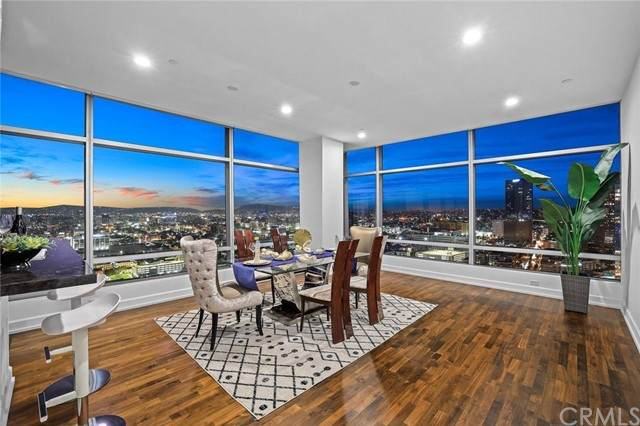 900 W Olympic Boulevard 31J, Los Angeles, CA 90015 (#WS21235098) :: Compass