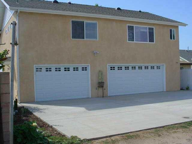 947 10th, Imperial Beach, CA 91932 (#170030208) :: The Yarbrough Group
