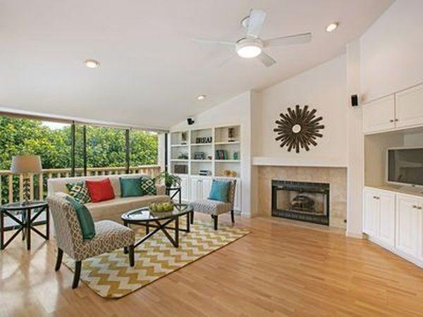 579 S Sierra Avenue #18, Solana Beach, CA 92075 (#170058343) :: Coldwell Banker Residential Brokerage