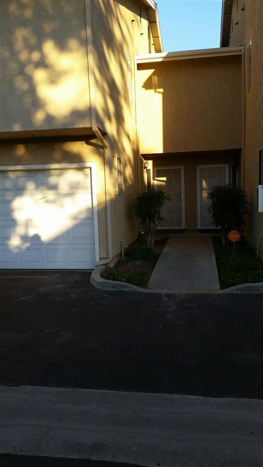 1465 E Lexington Ave. 6C, El Cajon, CA 92019 (#170062080) :: Douglas Elliman - Ruth Pugh Group