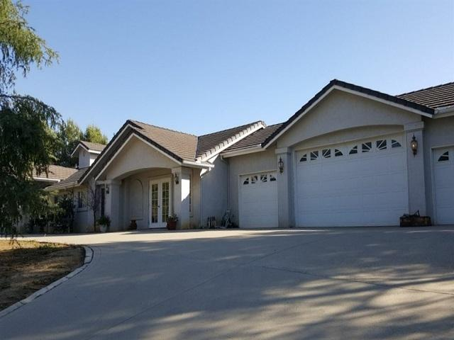 2122 Corte Plata Espuela, Alpine, CA 91901 (#180033566) :: Neuman & Neuman Real Estate Inc.