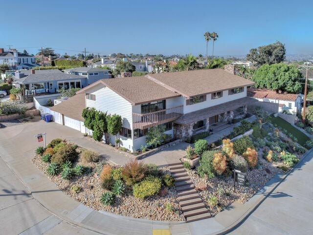 2252 Evergreen Street, San Diego, CA 92106 (#180054617) :: Neuman & Neuman Real Estate Inc.
