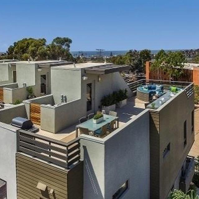 2541 State Street, Carlsbad, CA 92008 (#180063109) :: Whissel Realty
