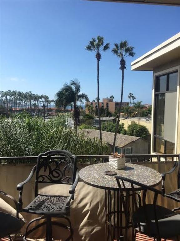 8110 El Paseo Grande #401, La Jolla, CA 92037 (#180067588) :: Coldwell Banker Residential Brokerage