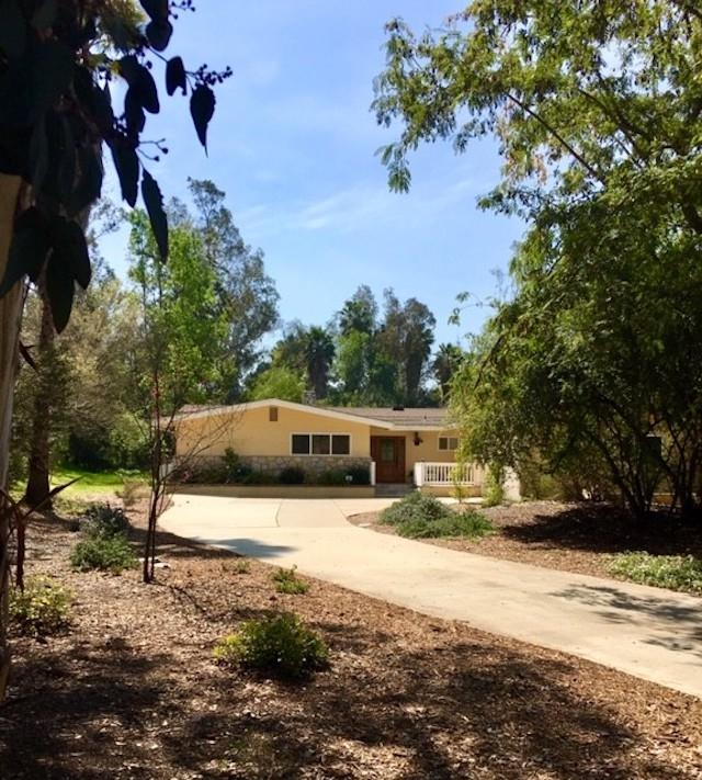 13537 Willow Run Rd, Poway, CA 92064 (#190013315) :: Neuman & Neuman Real Estate Inc.