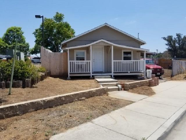 9779 Los Coches, Lakeside, CA 92040 (#190030453) :: Whissel Realty