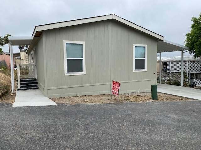 718 Sycamore Ave #6, Vista, CA 92083 (#200025887) :: Solis Team Real Estate