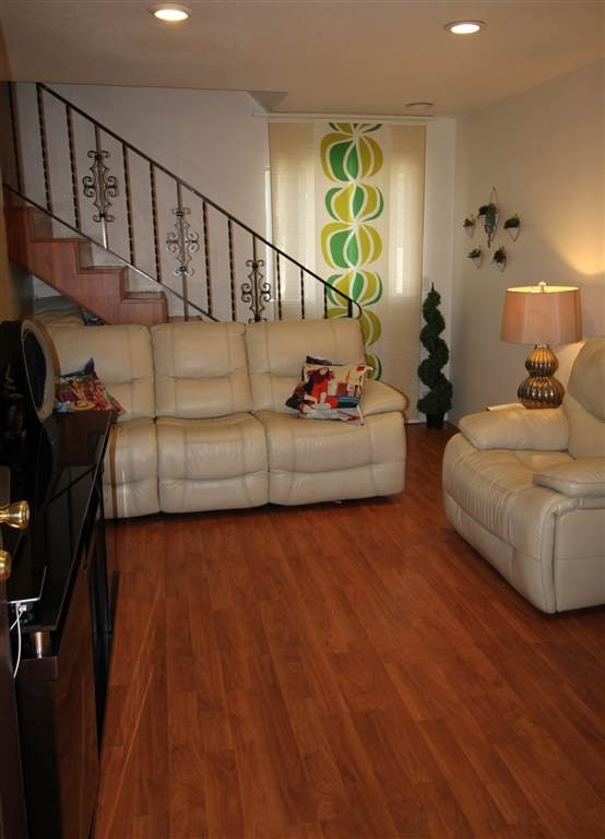 438 S Anza, El Cajon, CA 92020 (#200031128) :: Neuman & Neuman Real Estate Inc.