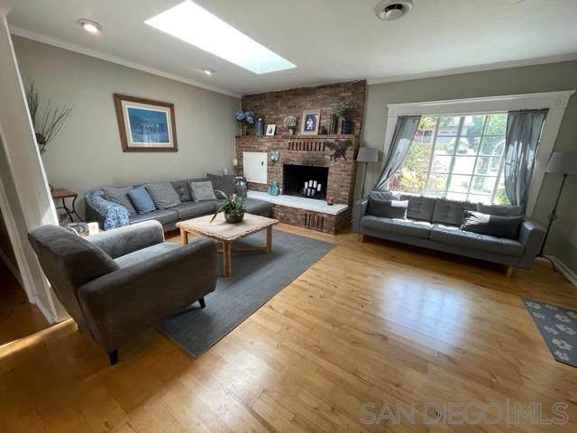 484 Silvery Ln, El Cajon, CA 92020 (#210016857) :: Neuman & Neuman Real Estate Inc.
